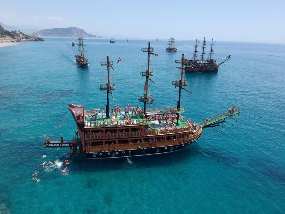 Пиратская яхта в Алании - Экскурсия на яхте - Цена - Фото и Отзывы