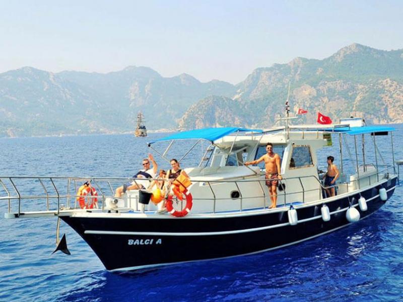 marmaris-tekne-kiralama-tekne-24-4