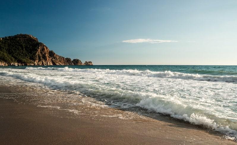 Пляж Клеопатры в Алании - Инфраструктра Пляжа и Подробности